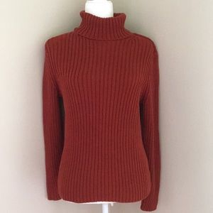 Rust colored turtleneck sweater by Fieldgear